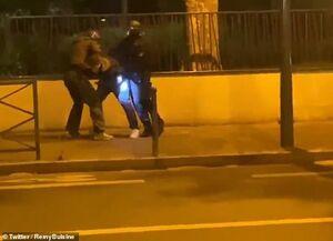 عکس/ خشونت پلیس فرانسه در کنترل قرنطینه