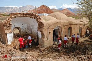 عکس/ امدادرسانی به روستای سیل زده سبزوار