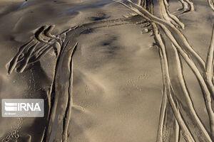 مالچ پاشی نفتی در دشت آزادگان