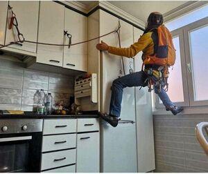 صعود کوهنوردان در آشپزخانه