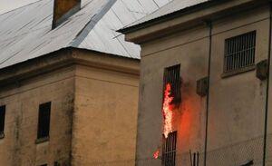 زندانیها در آرژانتین زندان را به آتش کشیدند