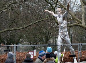 واکنش زلاتان به تخریب مجسمه اش در سوئد