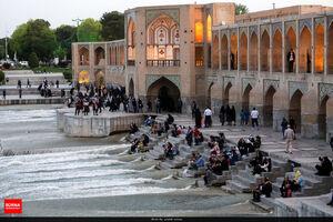 رعایت نکردن فاصله گذاری اجتماعی در اصفهان