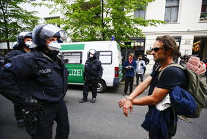 تظاهرات آلمانیها و اتریشیها علیه قرنطینه