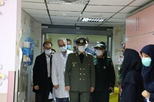 عکس/ حضور وزیر دفاع در بیمارستان شهید چمران