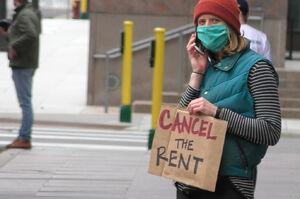 فیلم/ مستاجران نیویورکی به خیابانها ریختند