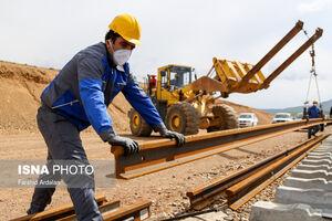 عکس/ ریل گذاری خط آهن سراسری در کردستان