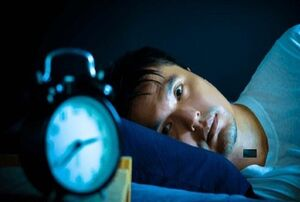 با کم خوابی چه اتفاقی برای بدنتان رخ میدهد؟