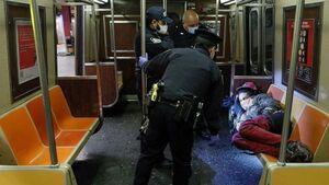 نیویورک مترو بی خانمان
