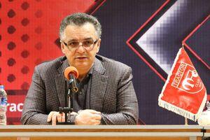 زنوزی: صدرصد با ادامه برگزاری لیگ مخالفم/فوتبالیست کرونایی دیگر نمیتواند بازی کند