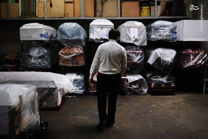 تابوتهای پیشفروش شده در مغازهای در شهر نیویورک