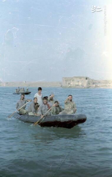 شهید کاوه نبیری(نفر اول در قایق)
