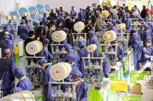 تاثیرات ساخت بزرگترین کارخانه تولید ماسک در ایران +عکس