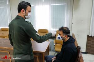 عکس/ تب سنجی از متهمان در جلسه دادگاه