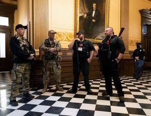 تظاهرات مسلحانه آمریکاییها علیه قرنطینه