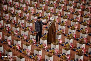 عکس/ توزیع ۱۷ هزار بسته حمایتی برای نیازمندان