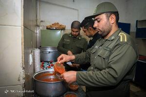 عکس/ حلاوت سفره افطار در خدمت
