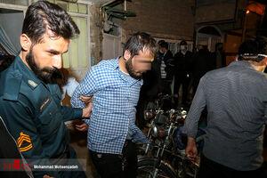 عکس/ دستگیری اراذل و اوباش در قم