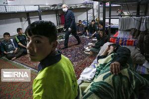 عکس/ توزیع افطاری بین پاکبانان