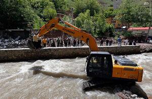 فیلم/ آزادسازی بستر رودخانه از ویلاهای غیرمجاز