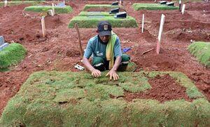عکس/ قبر قربانیان کرونا ویروس در جاکارتا