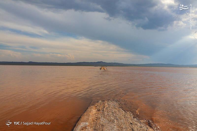 این دریاچه که به دریاچه ساوه قم نیز معروف است