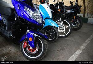 عکس/ کشف موتور سیکلتهای قاچاق در تهران
