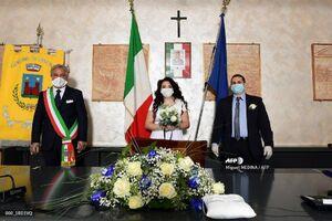 عکس/ برگزاری مراسم ازدواج با ماسک و دستکش