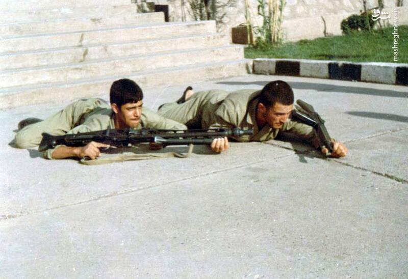 شهید محمدناصر اشتری(نفر سمت چپ)