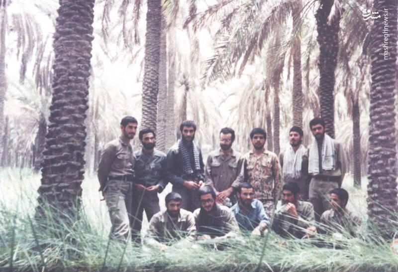 شهید محمدناصر اشتری(ایستاده، نفر اول از راست)