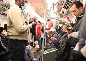 فیلم/ وضعیت مترو لندن بعد کاهش محدودیتها