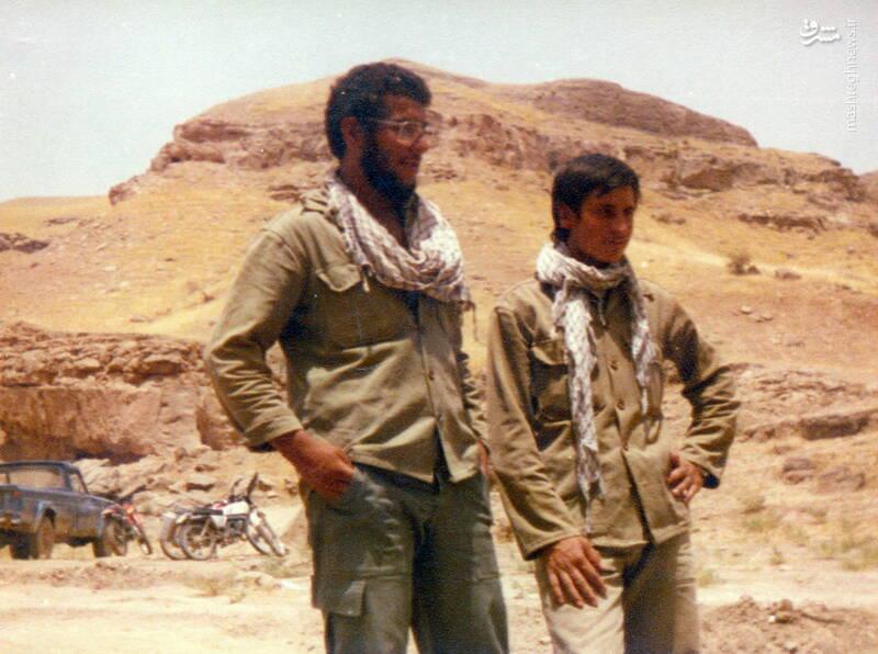 شهید محمدمهدی محب شاهدین(نفر سمت چپ)
