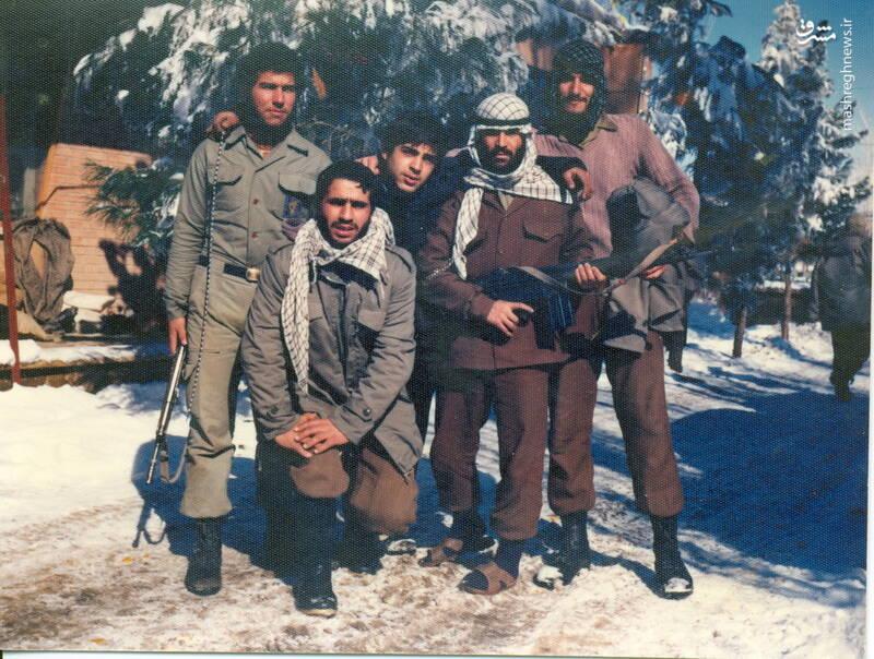 شهید محمدمهدی محب شاهدین(نفر اول از چپ)