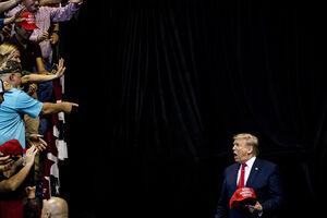 ترامپ: دستور عقبنشینی گارد ملی را از واشنگتن دادم
