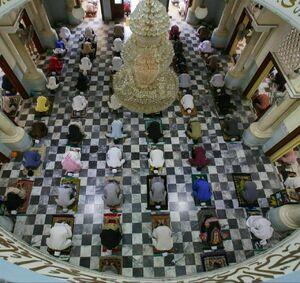 برگزاری نماز جمعه با رعایت فاصله گذاری اجتماعی +عکس