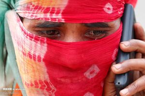 عکس/ کارگران مهاجر هند در راه بازگشت به خانه