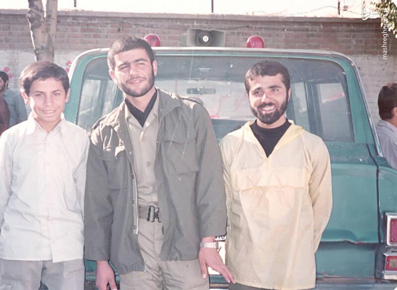 شهید علی اکبر سید جوادی(نفر وسط)