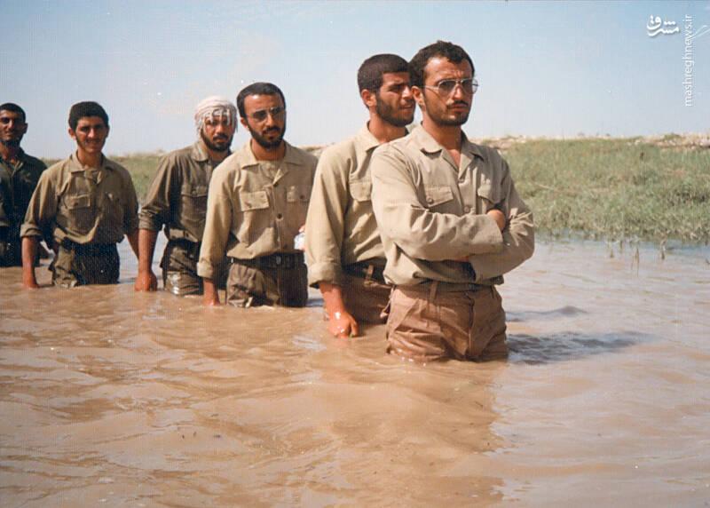 شهید علی اکبر سید جوادی(نفر دوم از راست)