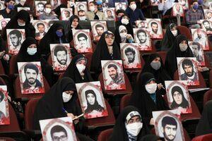 تصویری جالب از دیدار امروز دانشجویان با رهبر انقلاب
