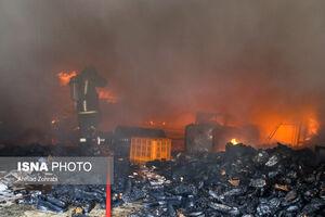 عکس/ آتش سوزی در کارخانه کفش قم