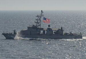 بیانیه ارتش آمریکا درباره نزدیک شدن شناورهای خارجی