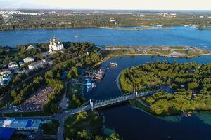 تصویرهوایی زیبا از رودخانهای در روسیه