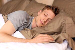 مهمترین اصول خوابیدن از نگاه متخصصان آسیبهای ورزشی