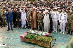 عکس/ تشییع پیکر شهدای ارتش در زاهدان و شیراز