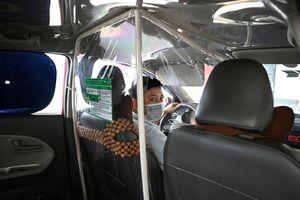 عکس/ تمهیدات بهداشتی یک تاکسی در ویتنام