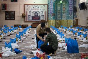عکس/ کمک مومنانه بچه های مسجد