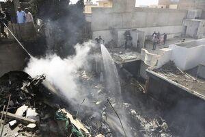 اولین تصاویراز محل حادثه هواپیما پاکستانی