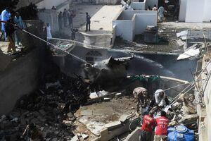 اولین تصاویر از محل حادثه هواپیما پاکستانی