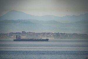 عکس/نفتکش ایرانی در حال عبور از تنگه جبل الطارق