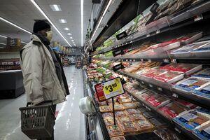هجوم مردم به فروشگاهها برای احتکار گوشت/قیمت گوشت در آمریکا بیش از ۶۰ درصد افزایش یافت